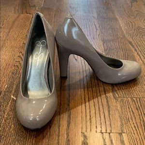 Jessica Simpson Gray Pumps size 7